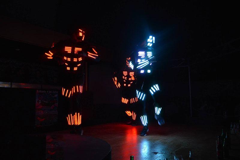 tres performance trajes led