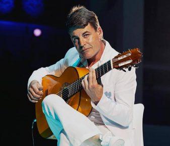 Guitarrista Oscar Portugués
