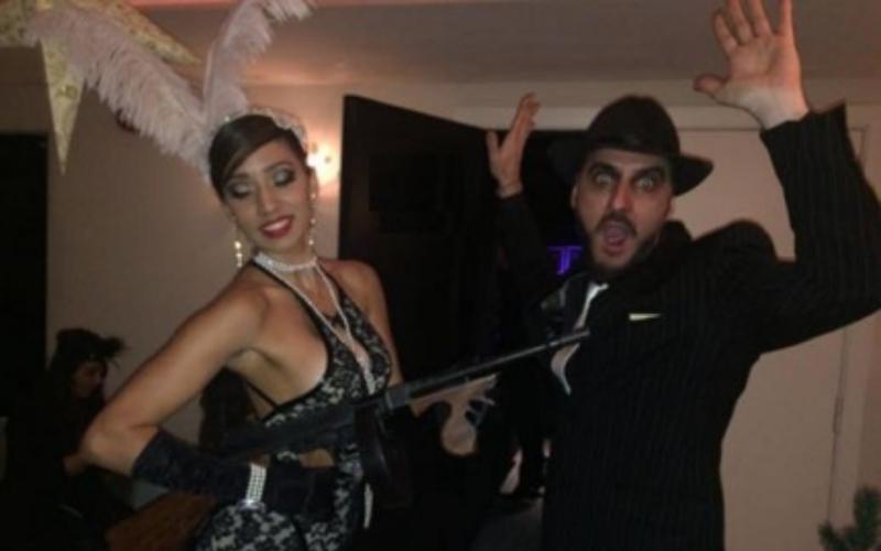 performance disfrazados de mafia