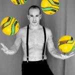 Malabares con balones de fútbol