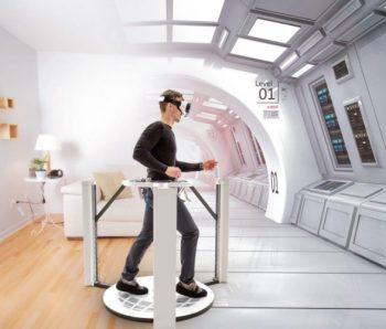hombre en plataforma virtual