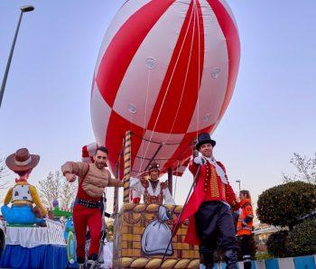 zeppeling con performance de circo