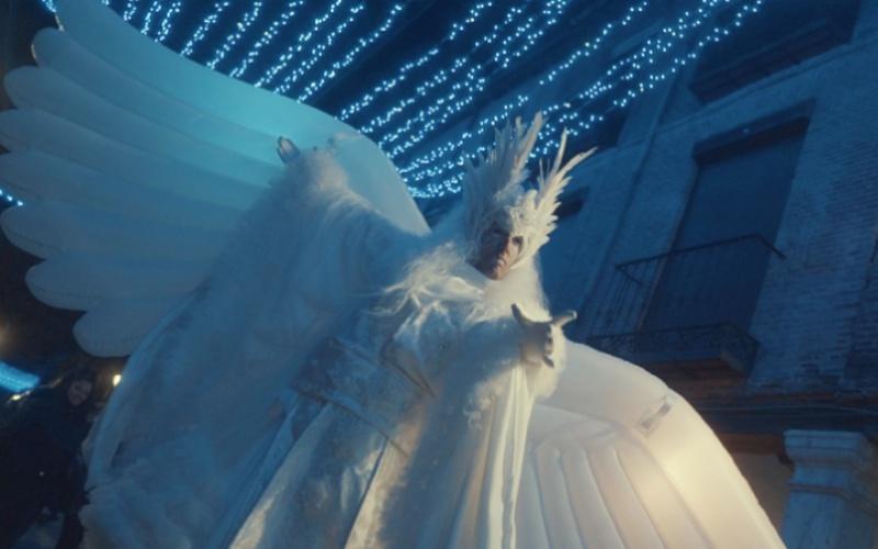 performance vestido de angel blanco