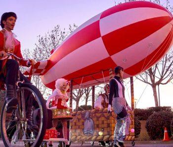 performance de circo con zeppeling