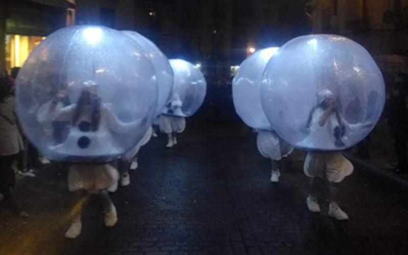 Pasacalles snowballs y hadas de luz