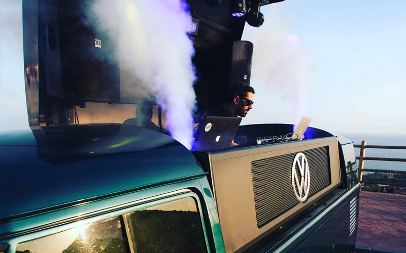 vans dj - furgoneta con dj